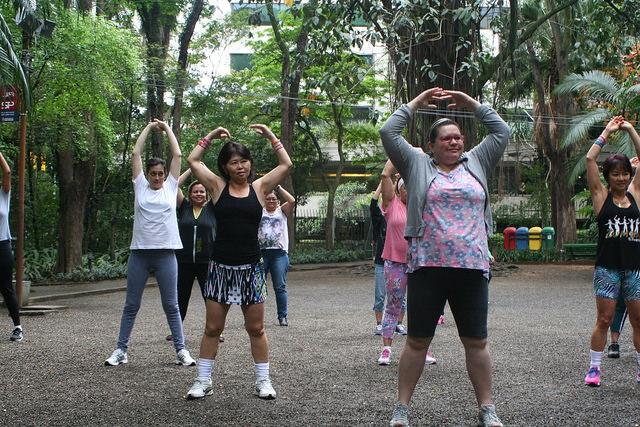 zumba fitness parque 27-09-2014 - 001001002_15371295621_m