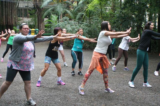 zumba fitness parque 27-09-2014 - 001001006_15371293861_m