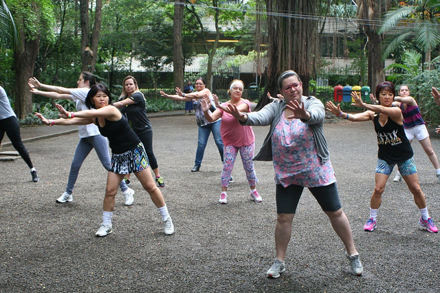 zumba fitness parque 27-09-2014 - 001001009_15187764560_m