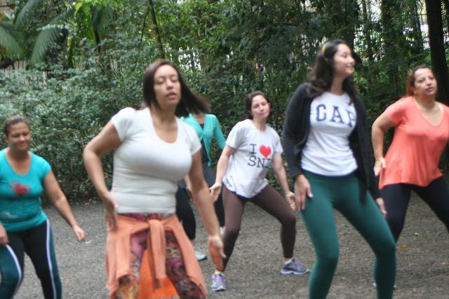 zumba fitness parque 27-09-2014 - 001001015_15371289291_m
