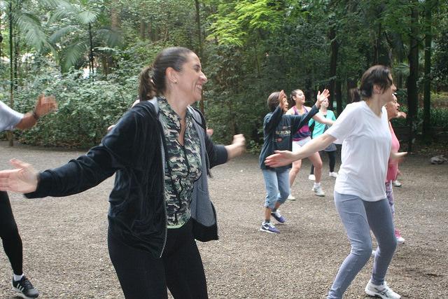 zumba fitness parque 27-09-2014 - 001001017_15351439736_m