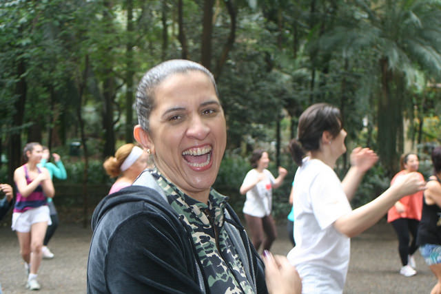 zumba fitness parque 27-09-2014 - 001001021_15187943607_m