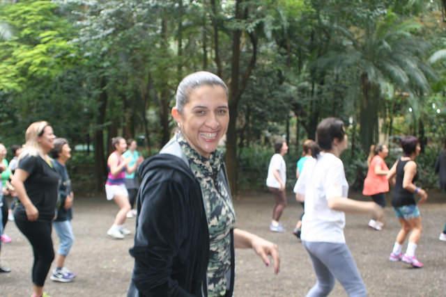 zumba fitness parque 27-09-2014 - 001001022_15374440265_m