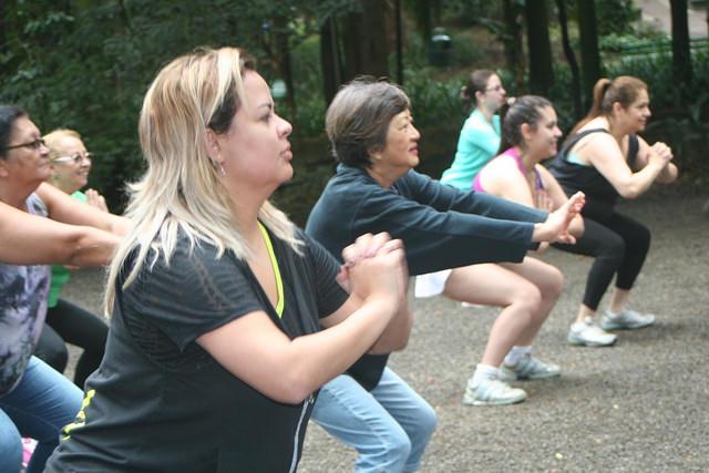 zumba fitness parque 27-09-2014 - 001001026_15371284171_m