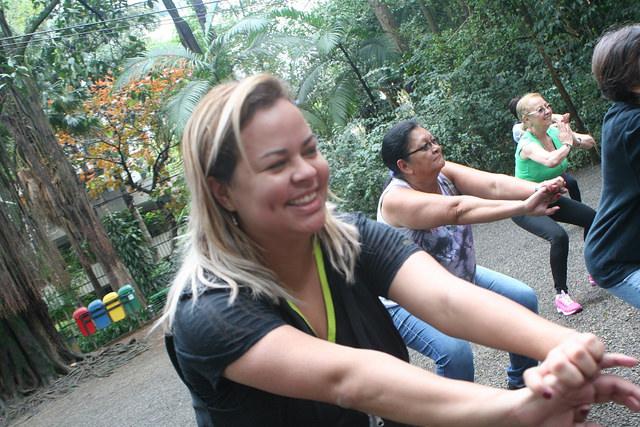 zumba fitness parque 27-09-2014 - 001001027_15351434936_m