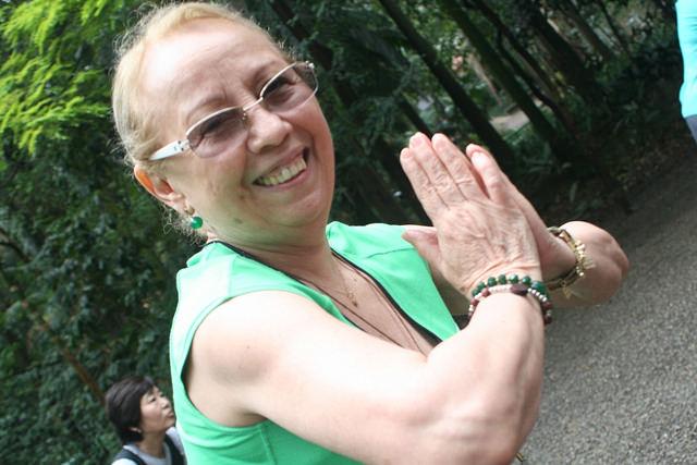 zumba fitness parque 27-09-2014 - 001001029_15371283211_m
