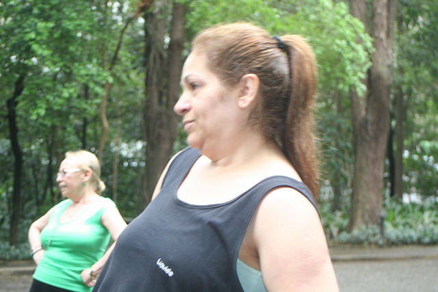 zumba fitness parque 27-09-2014 - 001001035_15374435975_m