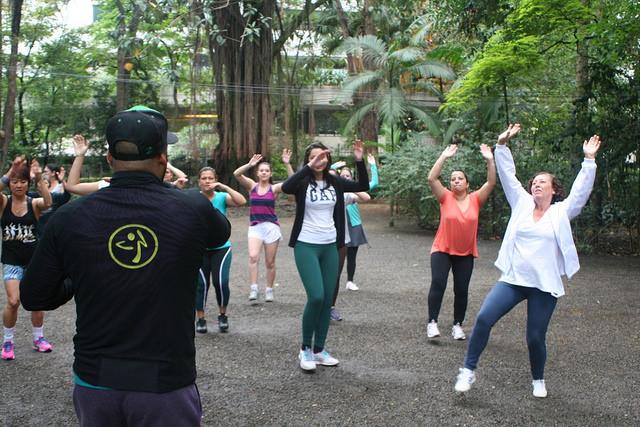 zumba fitness parque 27-09-2014 - 001001045_15187747600_m