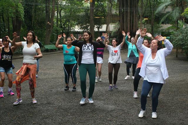 zumba fitness parque 27-09-2014 - 001001046_15374134912_m