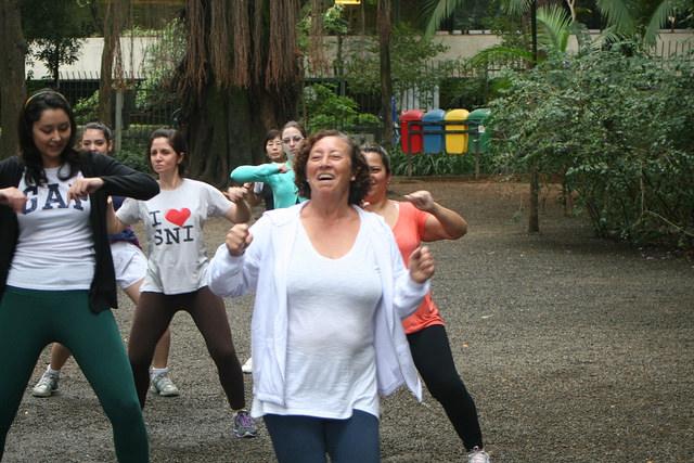 zumba fitness parque 27-09-2014 - 001001050_15371273741_m