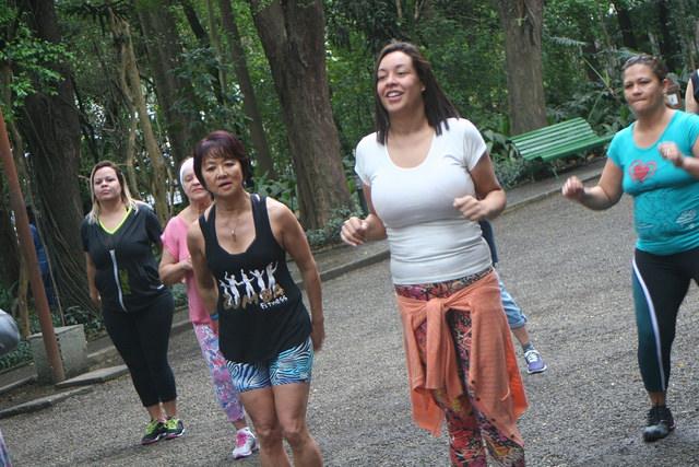 zumba fitness parque 27-09-2014 - 001001051_15374133362_m