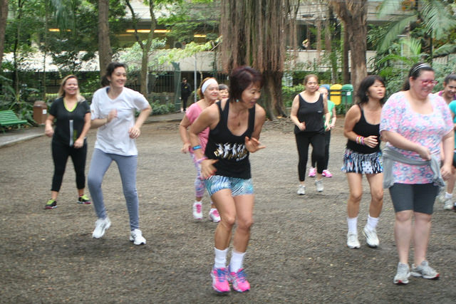 zumba fitness parque 27-09-2014 - 001001059_15187681489_m