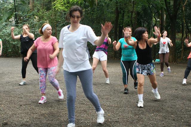 zumba fitness parque 27-09-2014 - 001001065_15351415106_m