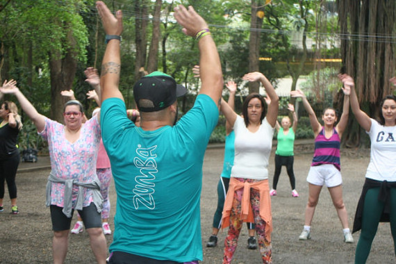 zumba fitness parque 27-09-2014 - 001001066_15351414826_m