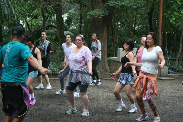 zumba fitness parque 27-09-2014 - 001001070_15187836758_m