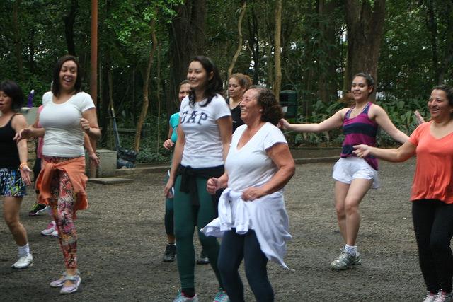 zumba fitness parque 27-09-2014 - 001001072_15374414965_m