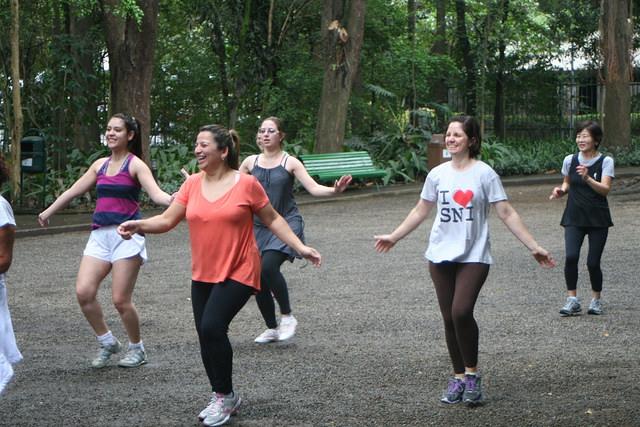zumba fitness parque 27-09-2014 - 001001074_15351411796_m