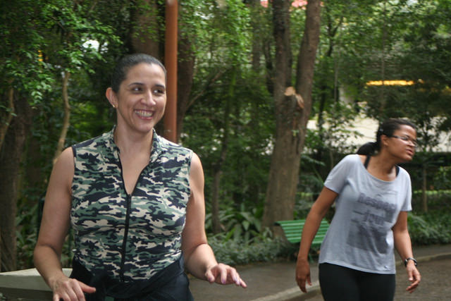 zumba fitness parque 27-09-2014 - 001001075_15187731390_m