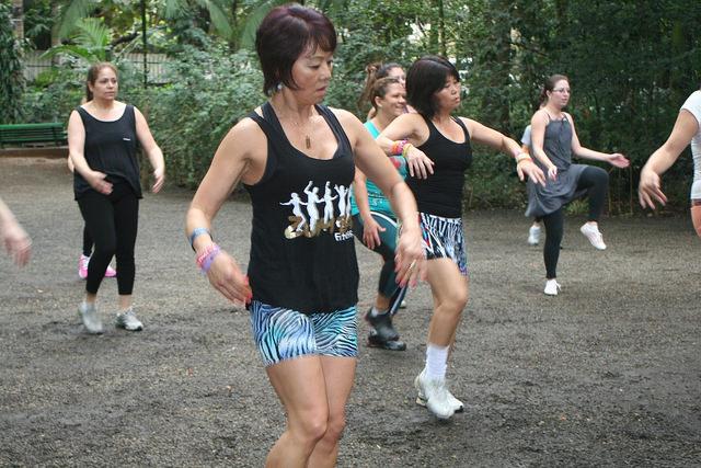 zumba fitness parque 27-09-2014 - 001001078_15371259601_m