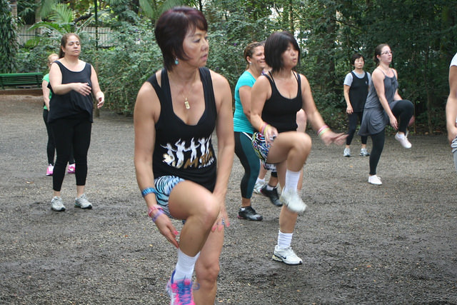 zumba fitness parque 27-09-2014 - 001001079_15371259211_m