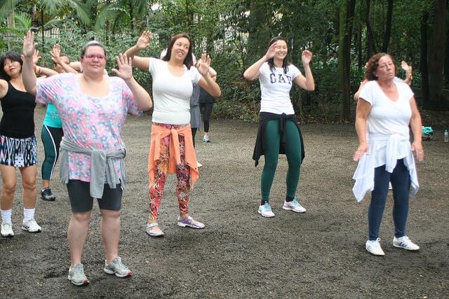 zumba fitness parque 27-09-2014 - 001001082_15187729310_m
