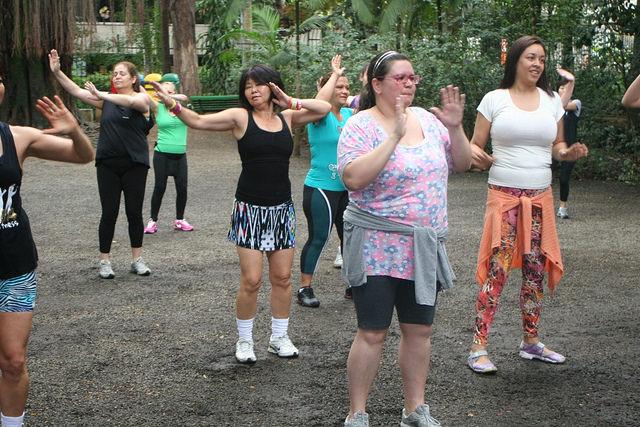 zumba fitness parque 27-09-2014 - 001001083_15374411105_m