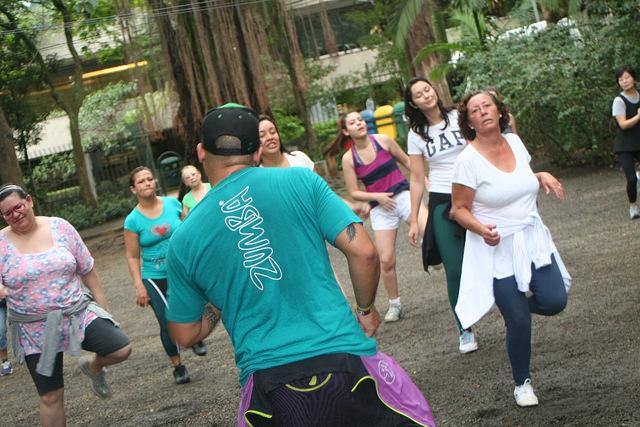 zumba fitness parque 27-09-2014 - 001001086_15371255271_m