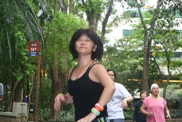 zumba fitness parque 27-09-2014 - 001001088_15187725970_m