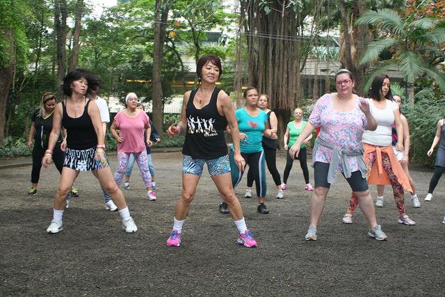 zumba fitness parque 27-09-2014 - 001001090_15351400676_m