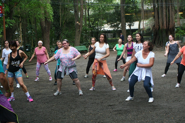 zumba fitness parque 27-09-2014 - 001001093_15371243041_m