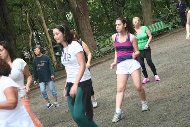 zumba fitness parque 27-09-2014 - 001001096_15374101892_m