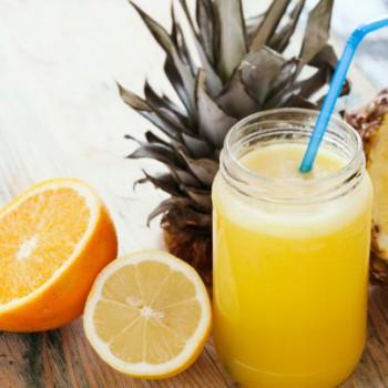 Suco Detox de Laranja com Abacaxi Para Secar a Barriga
